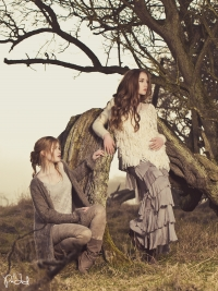 Modeller: Nanna Aviajja & Marie-Louise Elbek Højberg // MUA: Zainab al Saadi